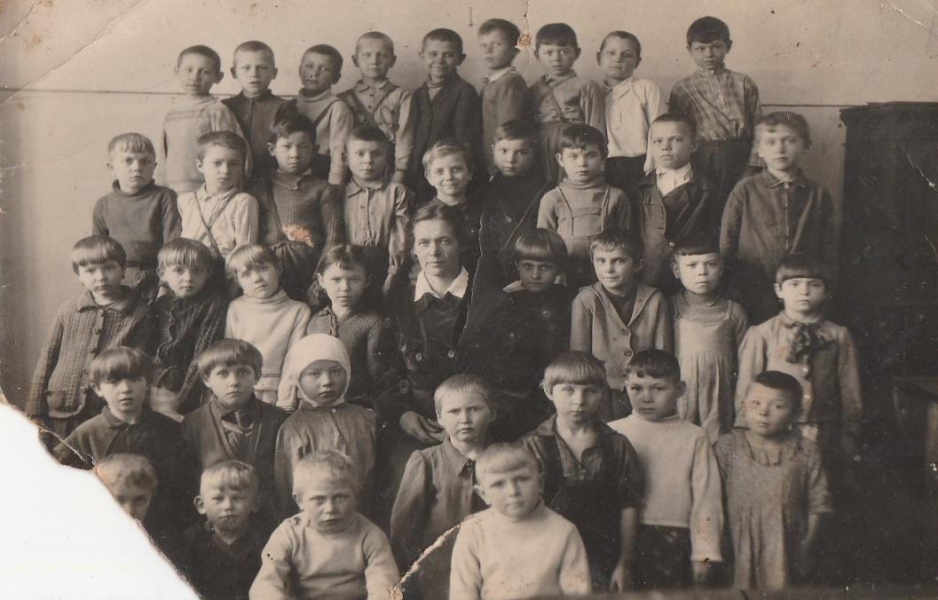Дети войны. Фото из архива Деминой Д.