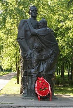 Проводы (Прощание). Скульптор В.Курдов. г.Пенза