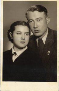 Юрий Константинович Морозов с супругой Эльзой Константиновной. 1950